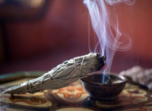 Mire használhatóak a füstölő kötegek?